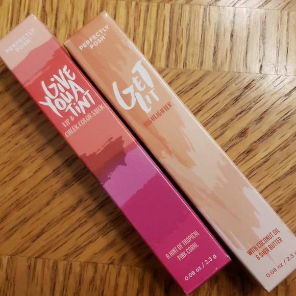 Perfectly Posh Other - Perfectly Posh Makeup Sticks